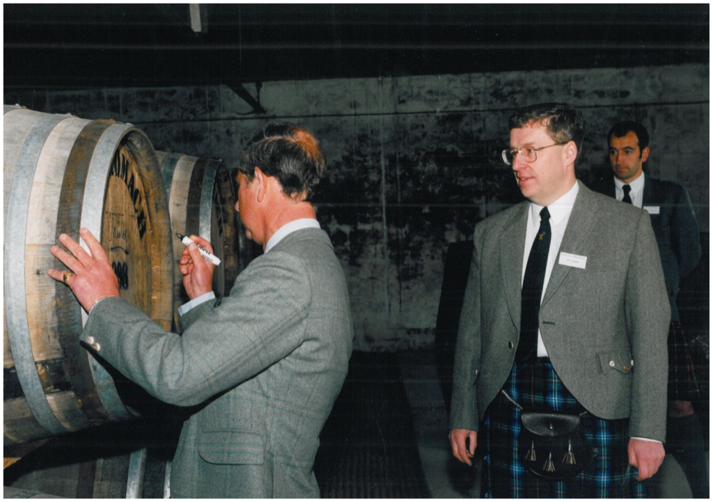 HRH The Duke of Rothesay, Prince Charles, Ondertekent het Benromach Cask No 1 vat