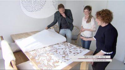 Freeze Frame Episode - Papercut VT Wonen TV Show - Whispering Paper