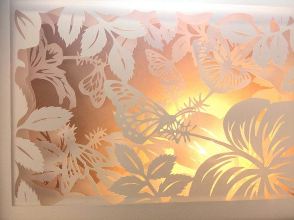 Diorama Nightlight - Butterflies & Hibiscus - Detail Jade Light