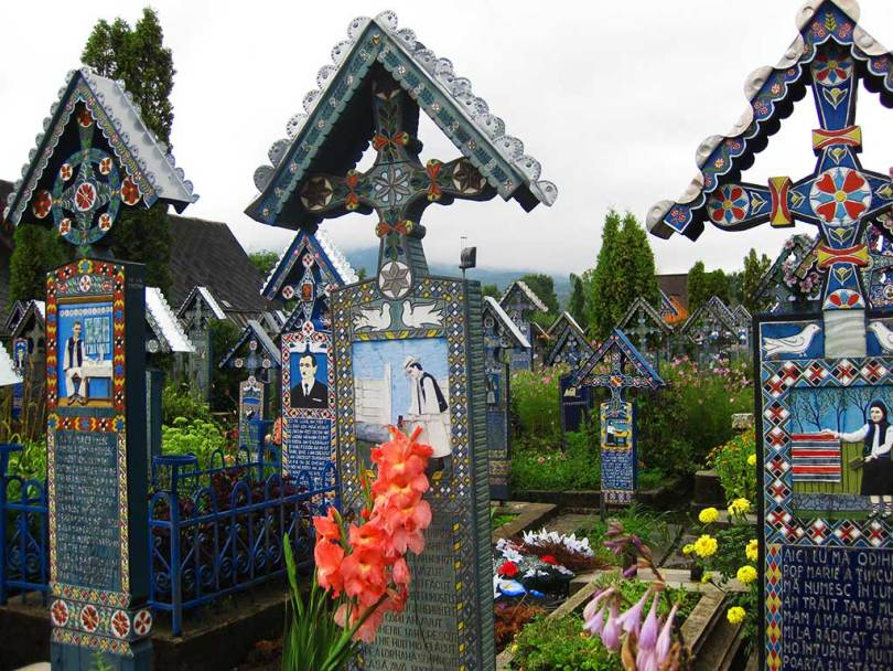 The merry cemetery- best places to visit in Romania