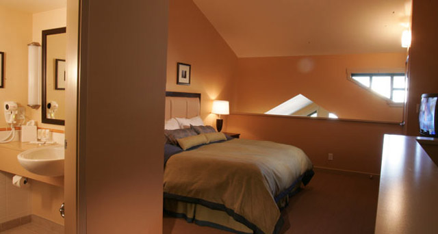 Crystal Lodge Hotels In Whistler