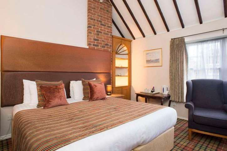 Our 3 star hotel Dorchester Premium Room