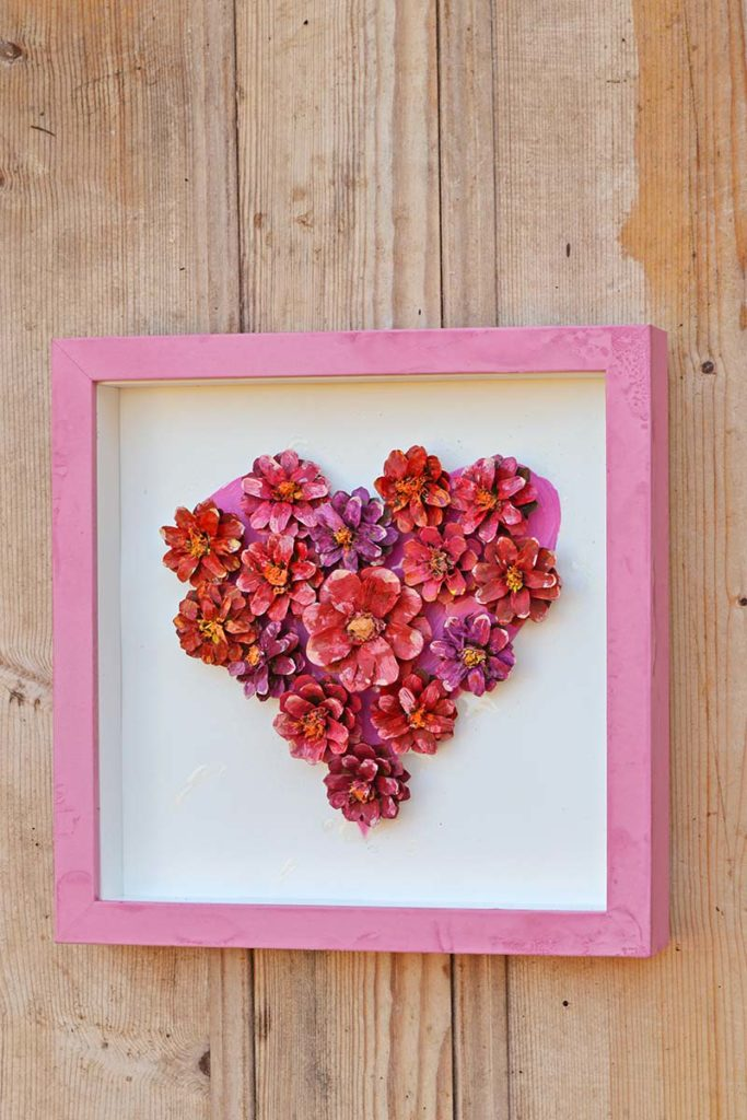 pinecone-flower-heart-decoration-wall-s