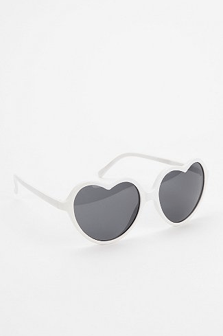 Sweetheart sunglasses_Urban Outfitters