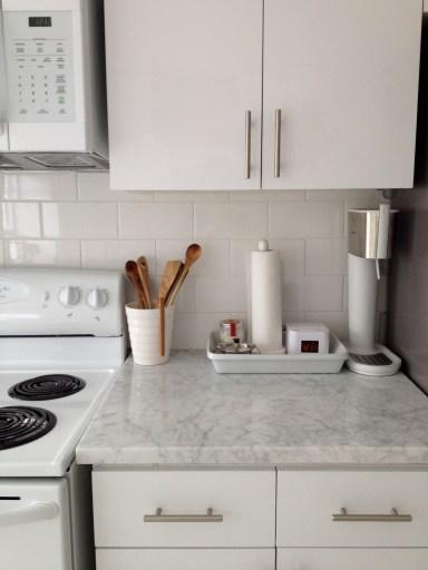 white-cabana-kitchen-style-4