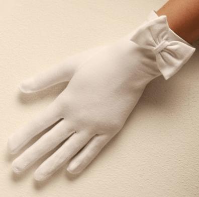 Scarlet-cotton-gloves-Cornelia-James