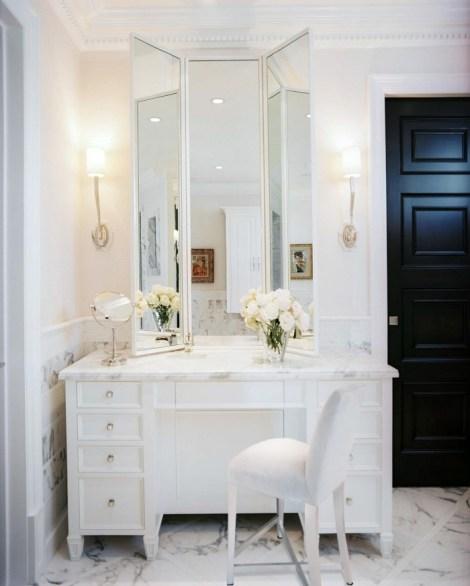 010-master-bath-makeup-vanity-700x873