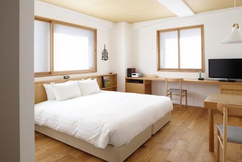 contemporary_room704_slide1-thumb-1260x840-461