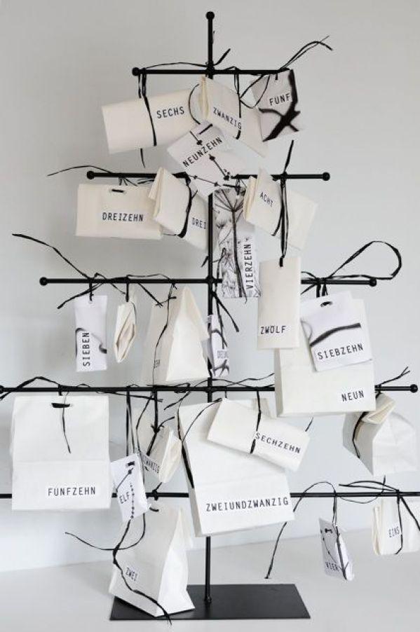 advent-calendar-black-white
