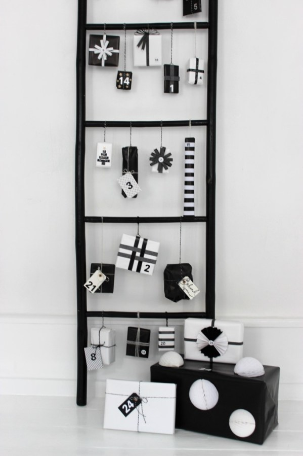 black-white-modern-advent-calendar