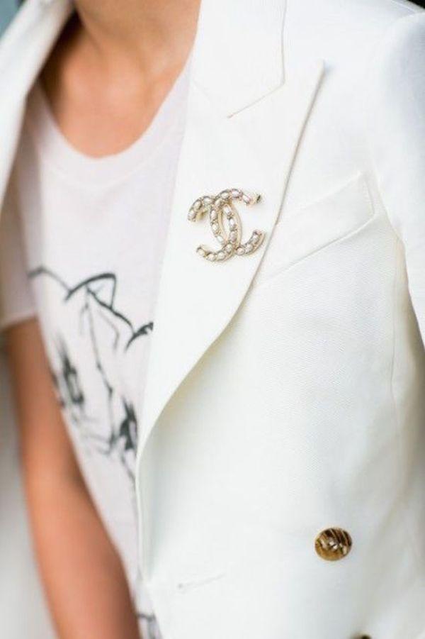 Vintage-chanel-brooch