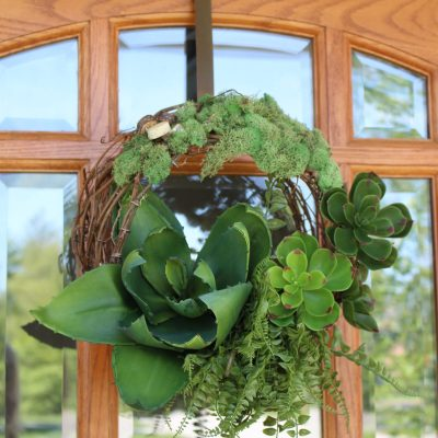 Succulent Door Wreath by www.whitecottagehomeandliving.com