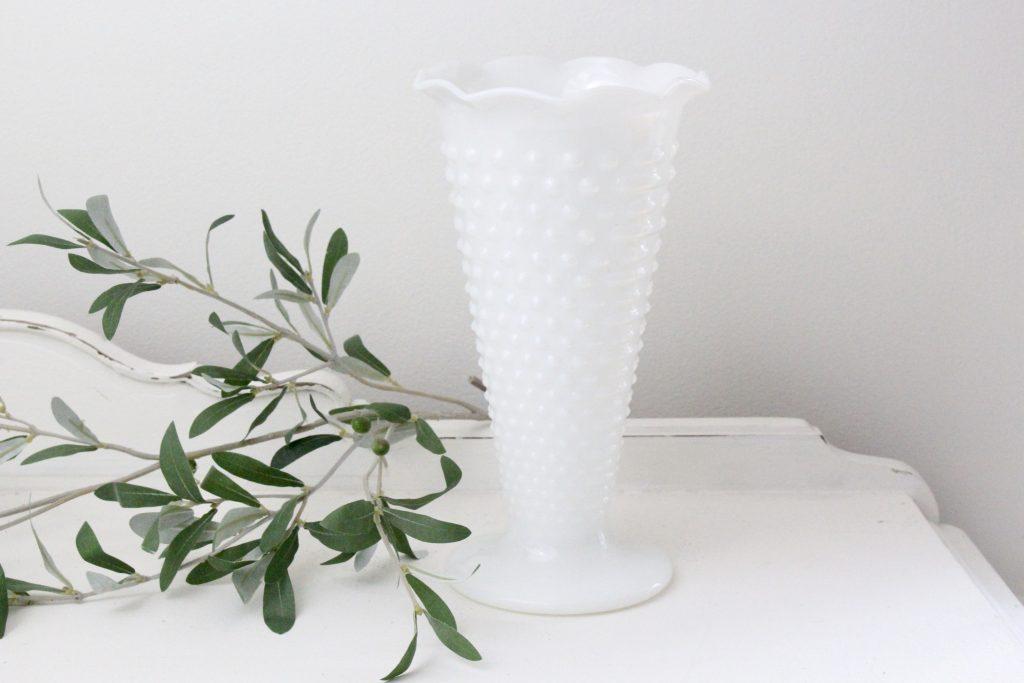 centerpiece, cottage, farmhouse, flowers, hobnail, home decor, milk glass, table settings, vases, vintage, weddings, white