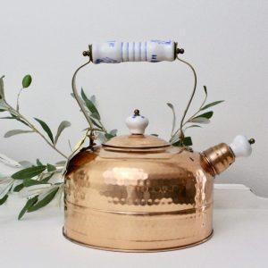 teapot- copper- dinnerware- home decor- kitchen