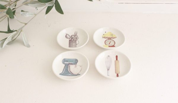 kitchen- dishes- dipping dishes