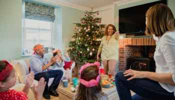 Miscellaneous Christmas Trivia.31 Christmas Trivia Questions For Your Next Holiday Gathering