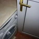Door-catches-on-washing -machine