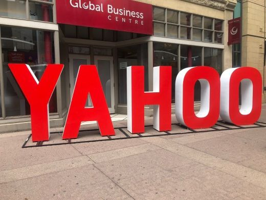 red Yahoo signage on street