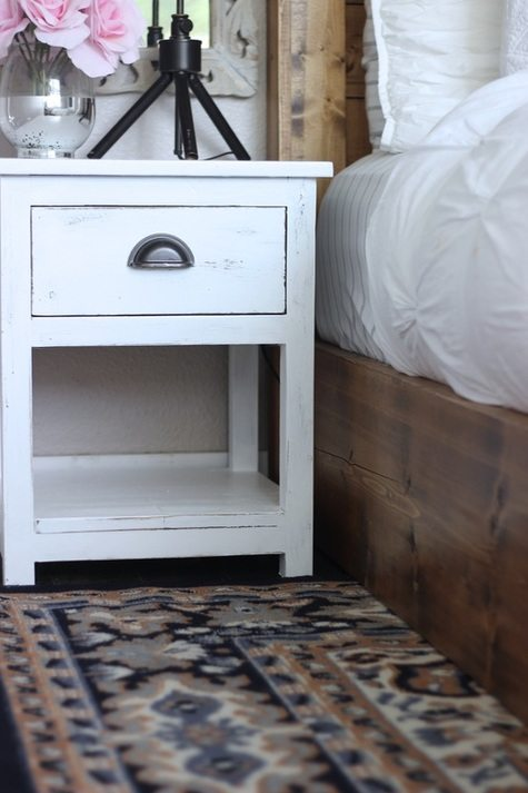 White Distressed Farmhouse Side Table With Drawer