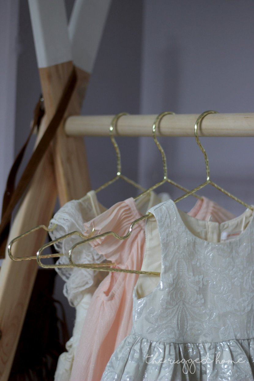 DIY Kids Clothing Rack, Modern Minimalistic Clothing Rack, Easy DIY Clothing Rack, Clothing Display, Easy DIY Dress Storage