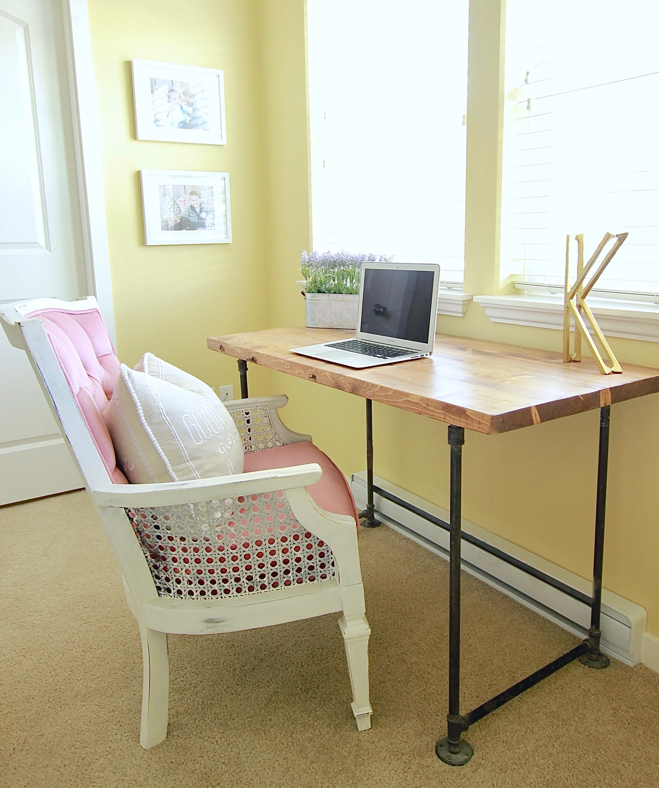 Makeshift piping Industrial Desk www.whitepicketfarmhouse.com