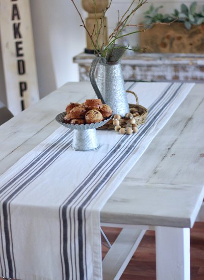White Distressed Table & How You Can Get The Same Finish