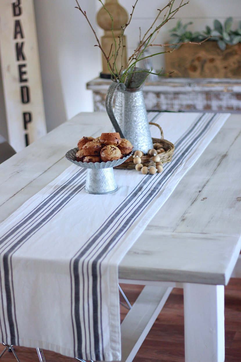Our DIY White Farmhouse Table and how to achieve this finish too www.whitepicketfarmhouse.com