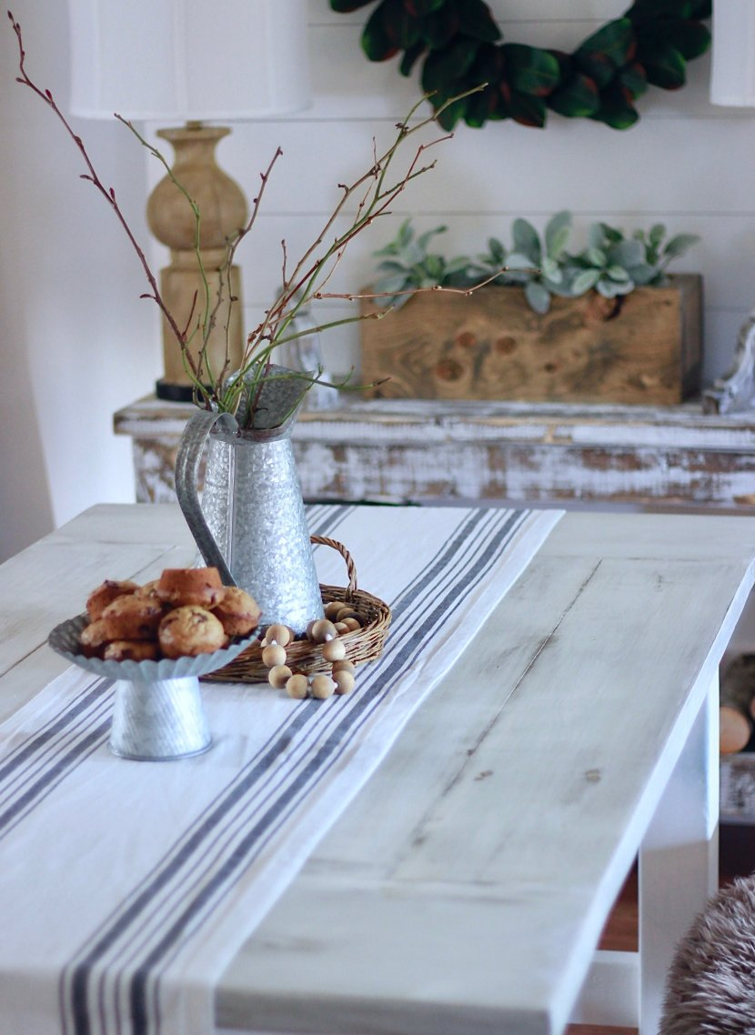 Our White Farmhouse Distressed Table and How to achieve this finish too www.whitepicketfarmhouse.com