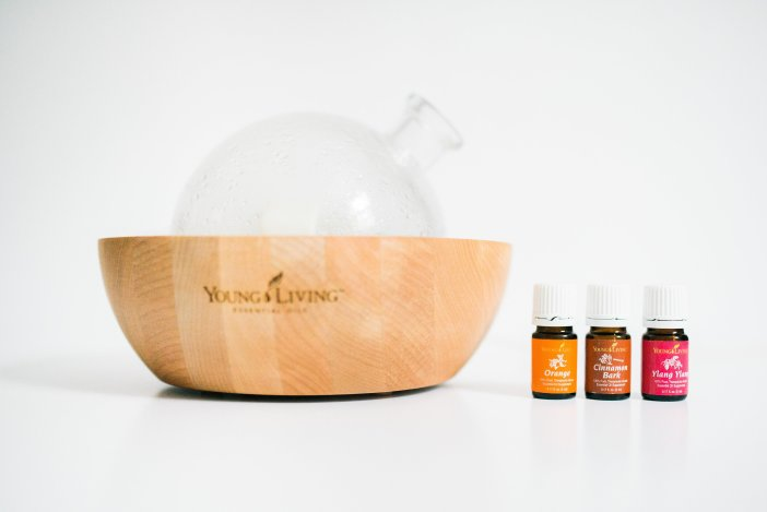 Favourite Chemical Free Products, Candles are toxic for you switch to a young living diffuser