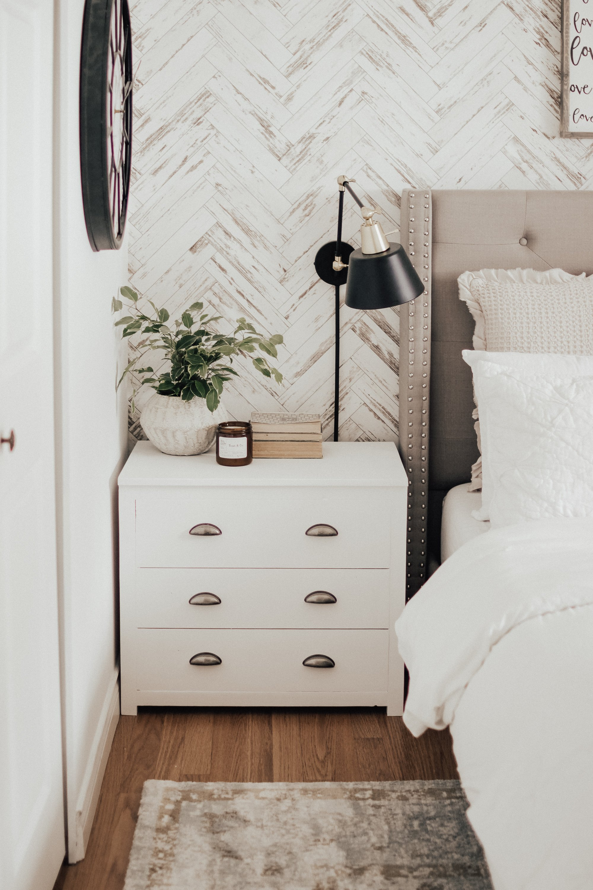 White Painted Modern Side Tables. How You Can easily refinish your side tables without spending a dime. Modern Farmhouse White Side Tables with a Restoration Hardware Look.