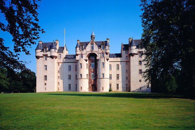 As You Can Get Married Outdoors In Scotland Why Settle For Anything Less Than The