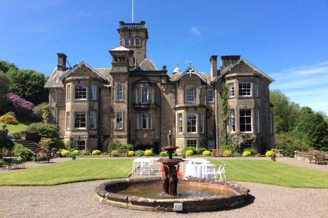 Highland Wedding Photography Eilean Donan Castle