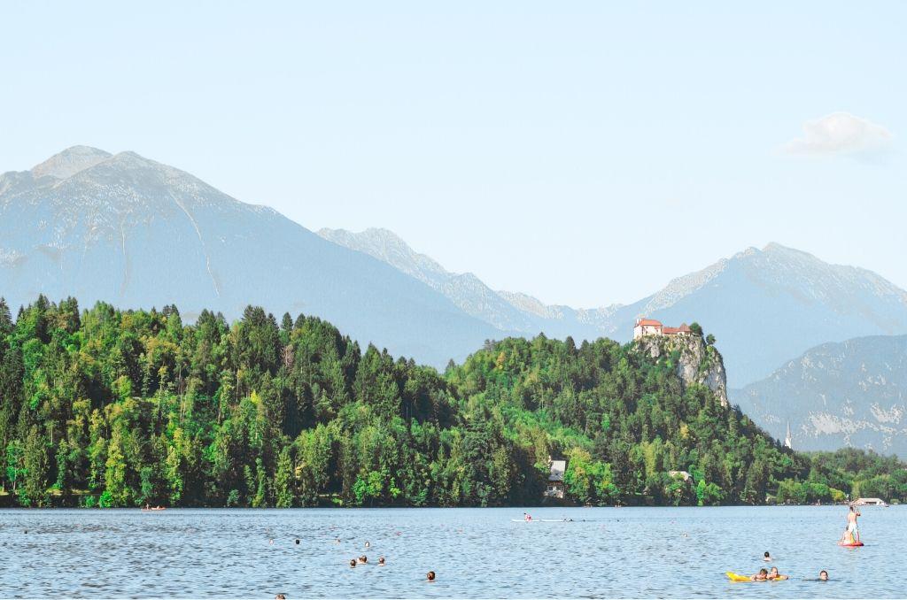 Przepłynięcie łódką Jeziora Bled