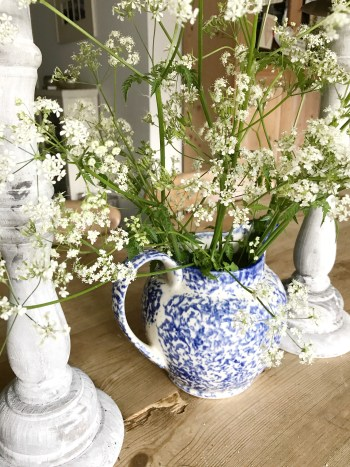 Cow parsley in blue painted jug 225x300 - Vintage, Pre-loved and Thrifty Decor in the Home