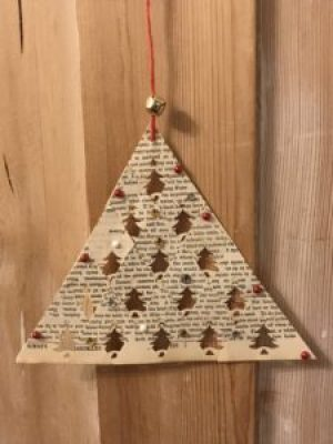 christmas paper tree 2 e1512460475835 225x300 - Christmas Decorations at Belle's - the beautiful Shepherds Hut