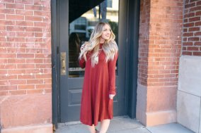 The must have Fall dress of 2016! It's long sleeved, faltering on all body types, SO VERSATILE, and available in 17 different colors. | whitjxoxo