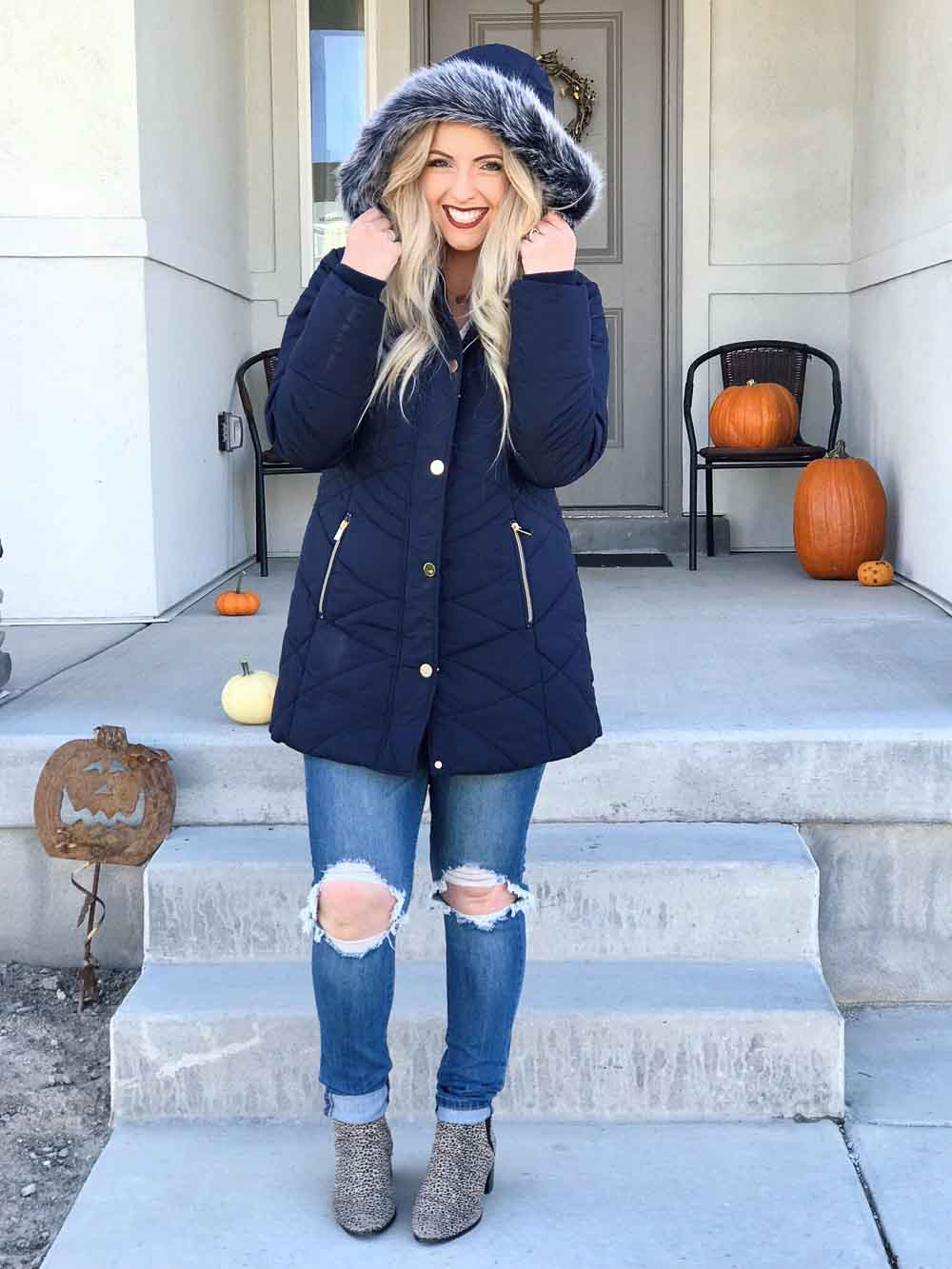 Are you sick of looking like a marshmallow in the winter? I'm here to give you my 3 best tips on finding cute, warm, and inexpensive winter coats! | whitjxoxo.com