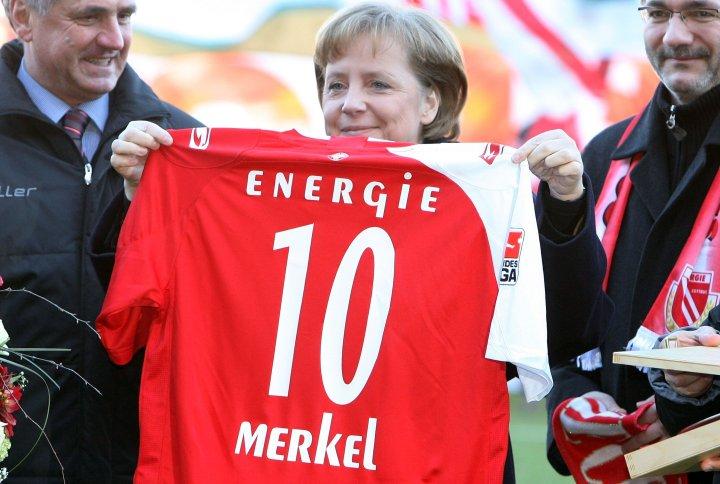 Angela Merkel e l'Energie Cottbus | numerosette.eu