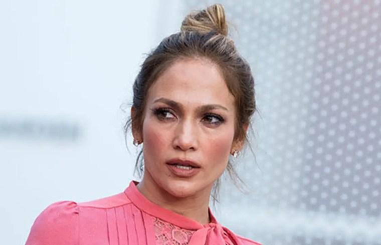 Jennifer Lopez Under Fire For 'All Lives Matter' Tweet 1