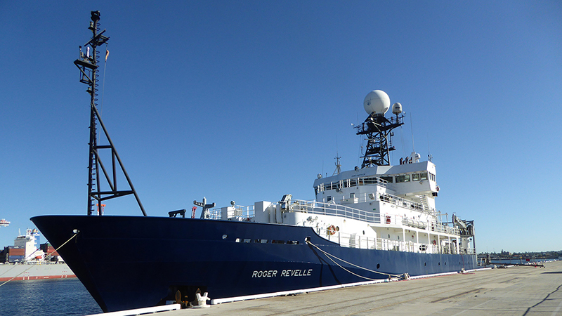 Antarctic Bottom Waters Freshening at Unexpected Rate   Woods Hole     Aboard the research ship
