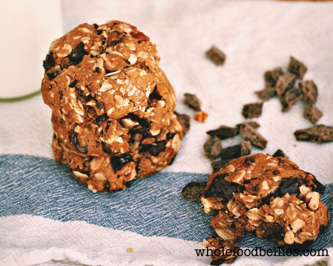 Pecan Dark Choc Chunk Oatmeal Cookies @wholefoodbellies.com