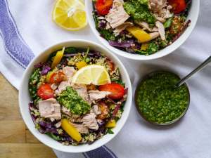 Spring clean eating meal plan: tuna and quinoa bowl