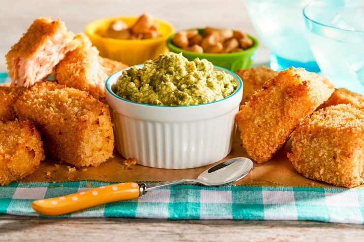 Baked salmon nuggets with a healthy, dairy-free spinach dip recipe - with gluten-free and egg-free options