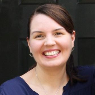 Amanda WFK Profile Square | wholesomefamilykitchen.com