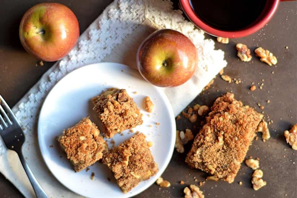 spiced-apple-and-walnut-coffee-cake-3