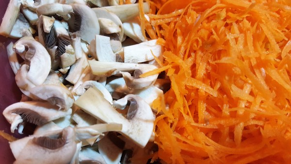 mushrooms and carrot