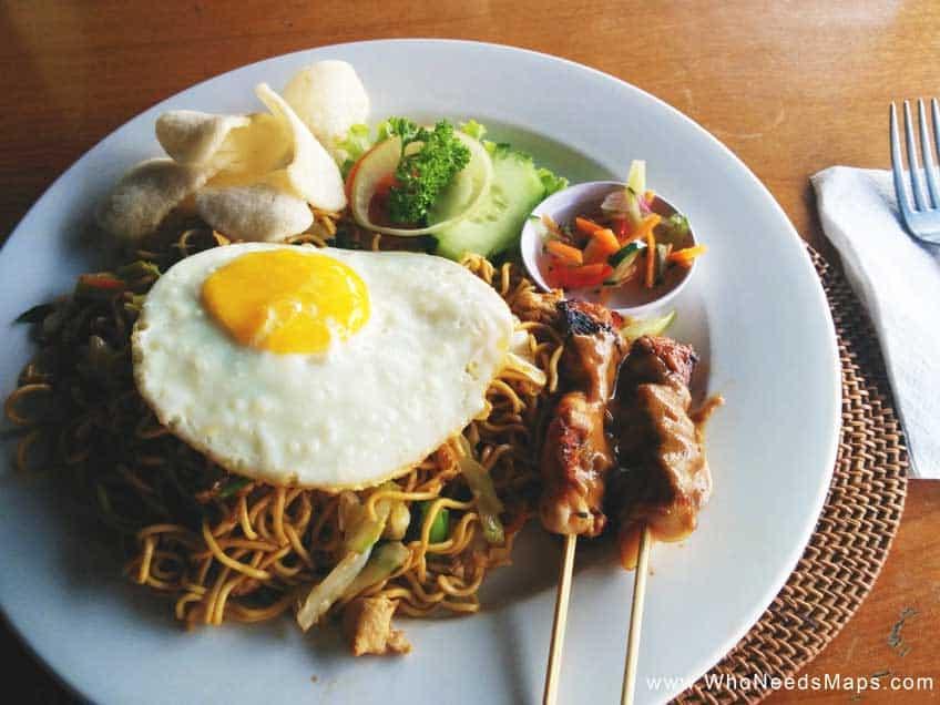 Best Southeast Asian Food - egg noodles