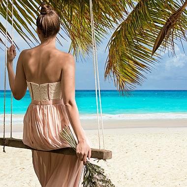 beach-2858720_380sq