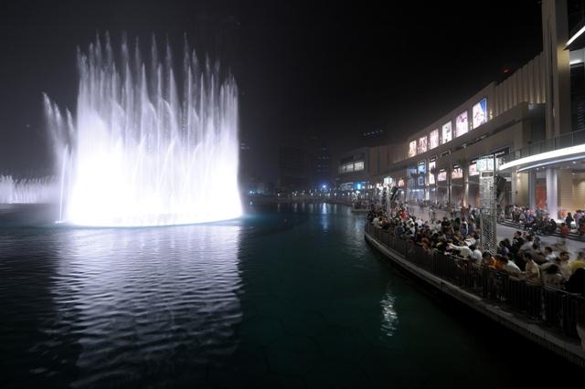 dubai mall fountains