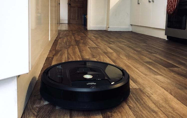 Roomba 980 robot vacuum cleaner